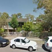 Garage parking on Queens Avenue in 帕拉玛塔市 新南威尔士州澳大利亚