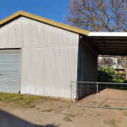 Shed parking on Gilbert Street in Tumbarumba