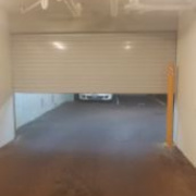 Garage parking on Newcastle Street in Northbridge Austrália Ocidental