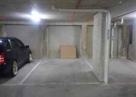 Great and safe indoor parking space in Carlton.jpg