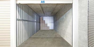 Self Storage Unit in Guildford - 21.9 sqm (Driveway).jpg