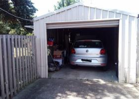 a single garage for rent.jpg