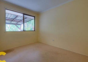 Small bedroom for storage in Beenleigh.jpg
