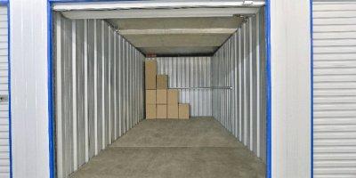 Self Storage Unit in West Gosford - 17.4 sqm (Driveway).jpg