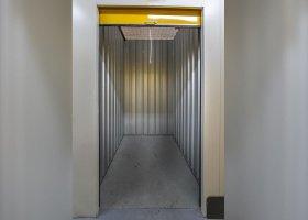 Self Storage Unit in Kilsyth - 3 sqm (Driveway).jpg