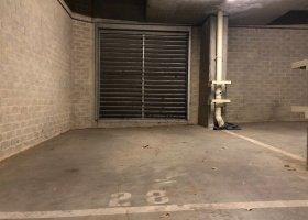 Undercover garage - Perfect location in Carlton.jpg