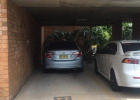 Parking space near Macquarie Uni / Shopping Centre.jpg