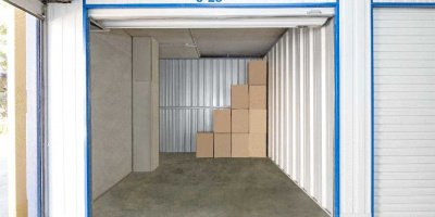 Self Storage Unit in Macgregor - 15 sqm (Driveway).jpg