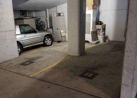 Secure Car Space in Woolloomooloo, near CBD.jpg