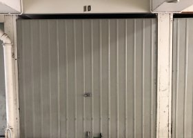 Lock up Car Park / Garage! Very close to Westfield.jpg