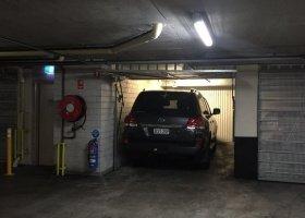 Sydney CBD luckup garage 5mins to townhall statio.jpg