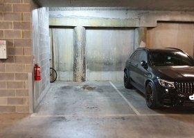 Underground secure parking space Fitzroy 24/7 CCTV.jpg