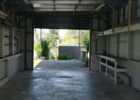 Currumbin Waters - Lock Up Garage for Parking/Storage with additional space at the rear.jpg