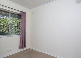 Spare bedroom .jpg