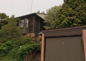 Large single Brick garage in central Katoomba near shops and train station for RENT.jpg