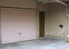 Parramatta - lock up garage in Queens Av. Close to ferry , bus and train..jpg