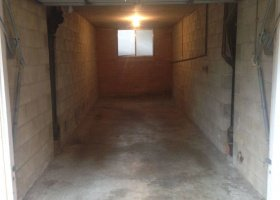 Long closed Single Lock up Garage space available.jpg