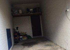 Large lock up garage - off street - prime position in Bondi Beach.jpg