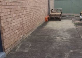West Gosford - Yard Space for Car.jpg