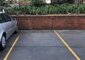 Single carspace in leafy Paddington, just behind Lord Dudley..jpg
