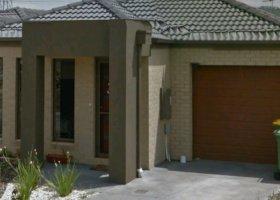 Pakenham - Single lock up garage for storage.jpg